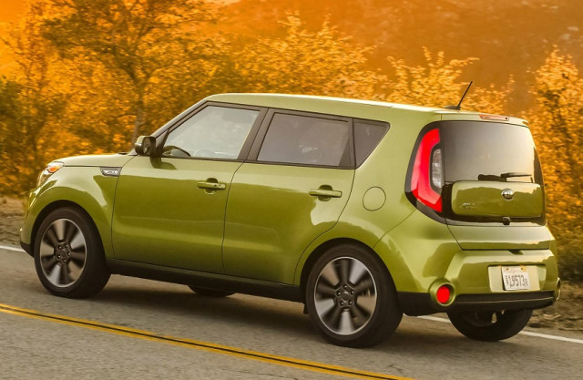new funky 2014 kia soul now comes with more premium features box autos. Black Bedroom Furniture Sets. Home Design Ideas