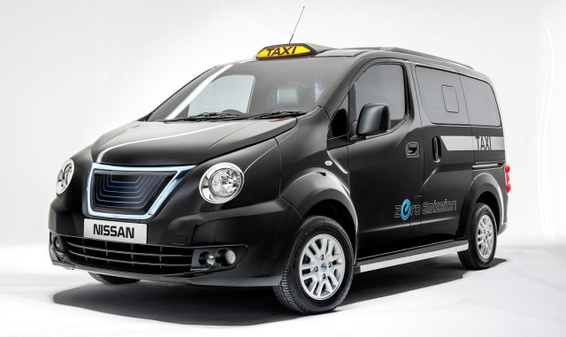 Nissan Black Taxi for London (3).jpg